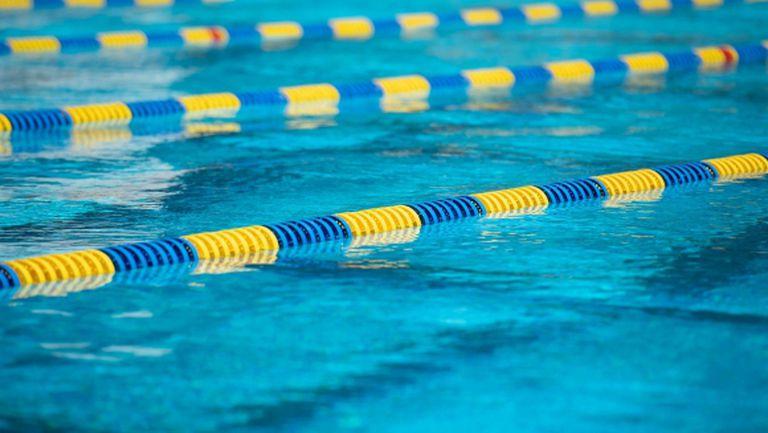 Какво правят плувците, докато чакат басейните да бъдат отворени