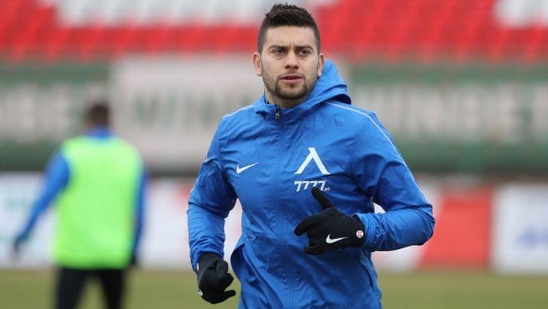 Левски подновява тренировки на 23 март