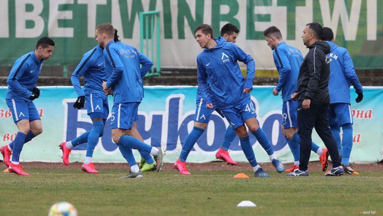 Препоръчаха спиране на всякакви тренировки на родните отбори до 29 март
