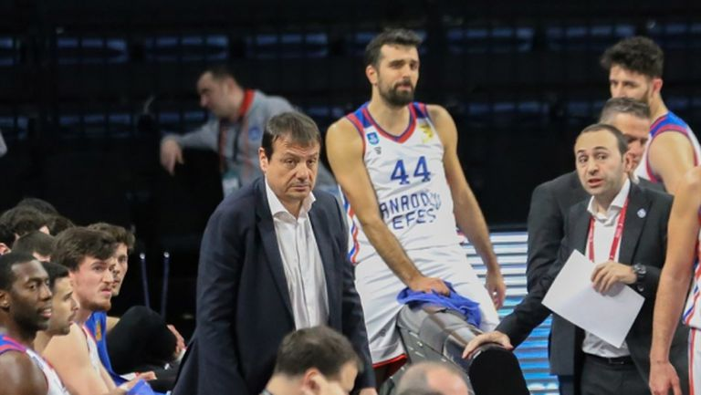 В Турция все още негодуват от продължаването на баскетболния сезон