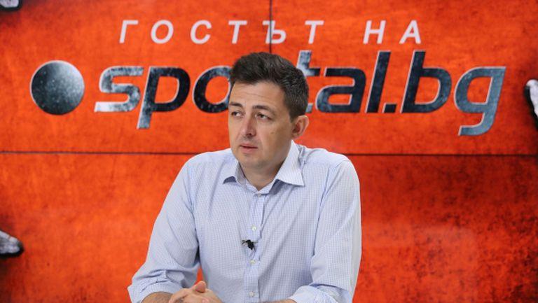 """Бивш директор в Левски посочи път за излизане от кризата на """"сини"""" и """"червени"""""""
