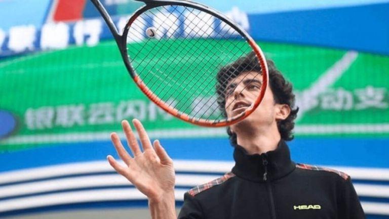 Тенис трикове под карантина (видео)
