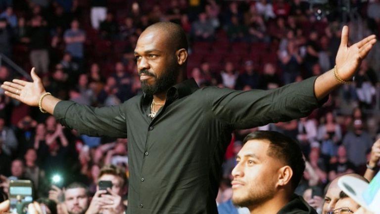 Задържаха звезда от UFC пиян зад волана