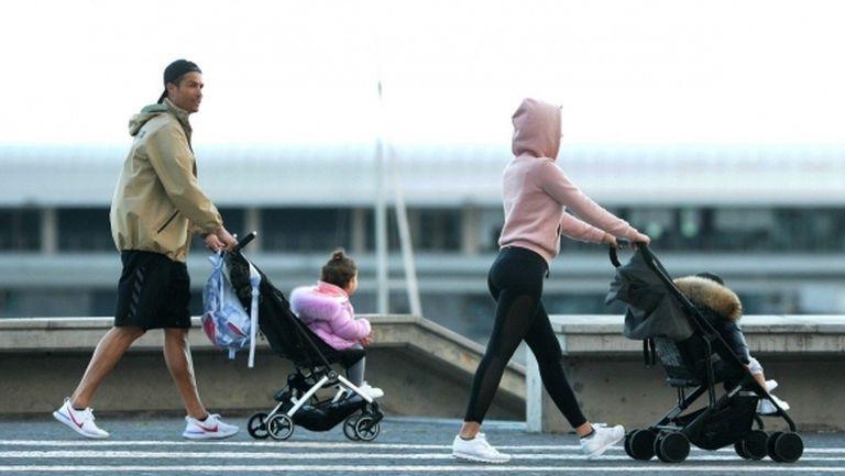 Кристиано и Джорджина излязоха на разходка