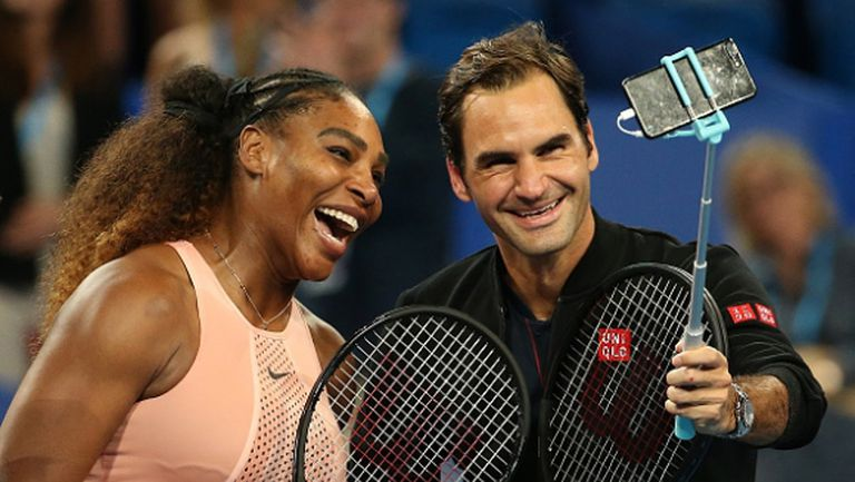 Селфи за историята! Когато Серина Уилямс се изправи срещу Роджър Федерер (видео)