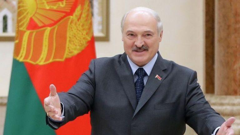 Жертвите в Беларус вече са 4, но мачовете остават