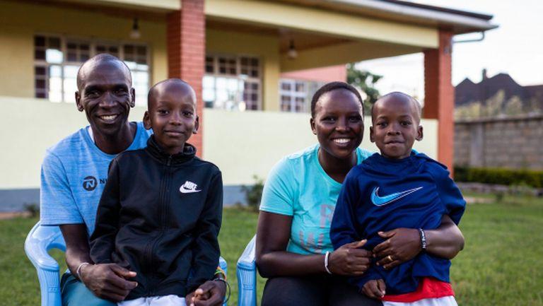 Семейна идилия за Кипчоге по време на пандемията