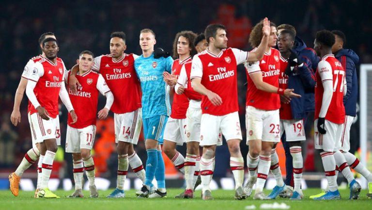 Футболистите на Арсенал получиха шанс да избегнат намаляването на заплатите