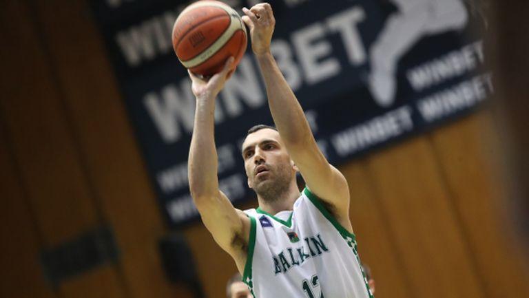 Папазов-младши вкара 215 точки в БФБ е-баскет лигата, Секулович продължава без грешка