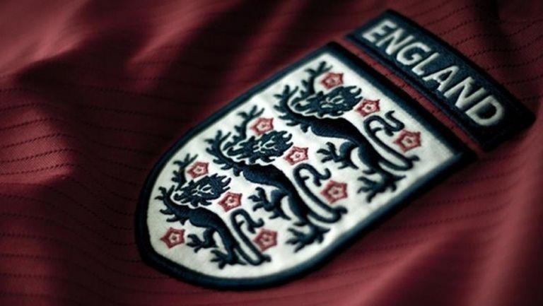 Английската футболна лига и Асоциацията на футболистите договориха намаляване на заплатите