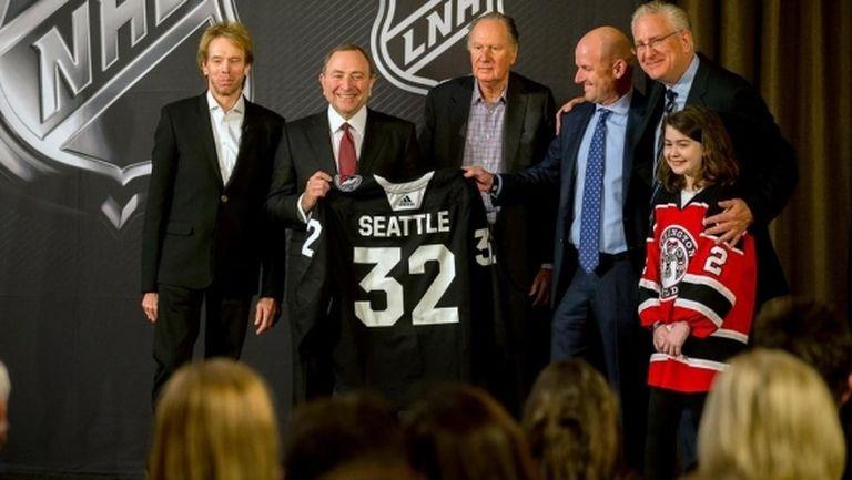 Отбор, който дори още не играе в НХЛ, дари 1 милион долара за борбата с COVID-19