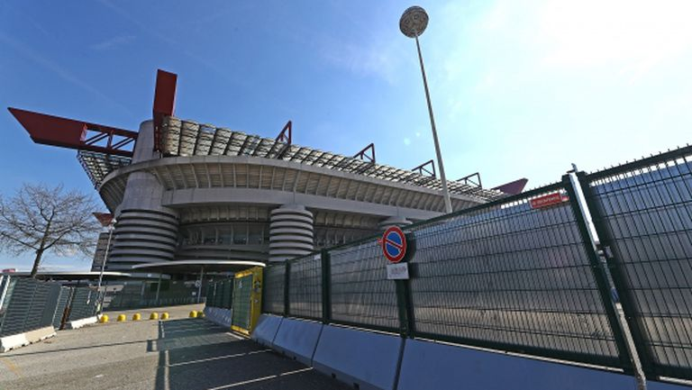 Милан също привика чужденците си