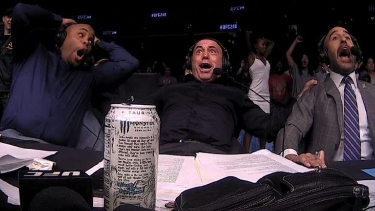 Вижте щурите реакции на коментаторите на UFC при зверски нокаути (видео)