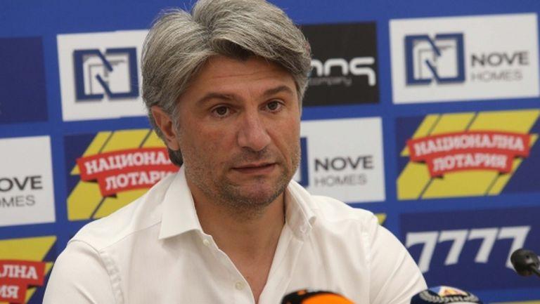 Голям скандал е напът да избухне с директор на Левски
