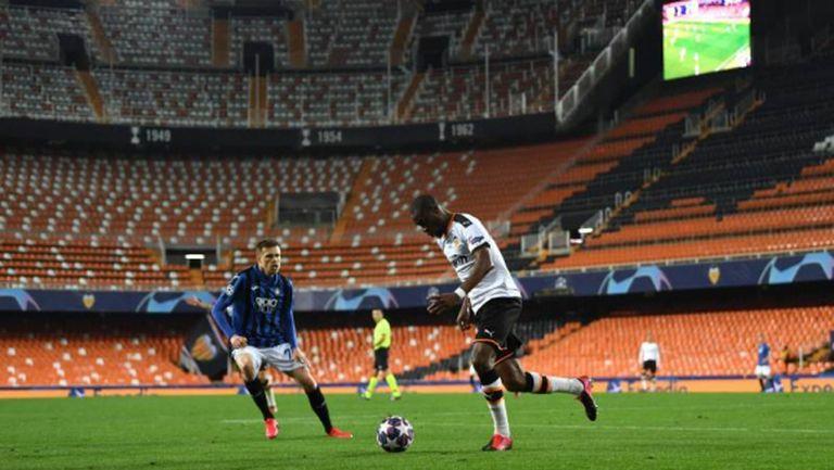 Футболистите и треньорският щаб на Валенсия се съгласиха да намалят заплатите си