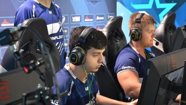 "Валентин ""poizon"" Василев и Complexity Gaming бяха близо, но не успяха срещу Astralis"