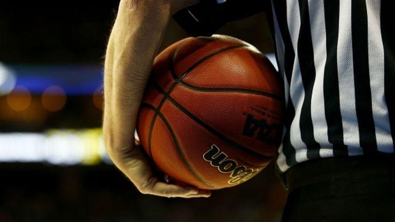 Роден баскетболен съдия с положителна проба за COVID-19