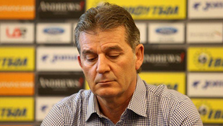 Костадинов: Почти невъзможно е да доиграем целия сезон (видео)