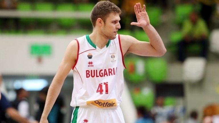 Минчев и Везенков разбиват конкуренцията в е-баскет лигата