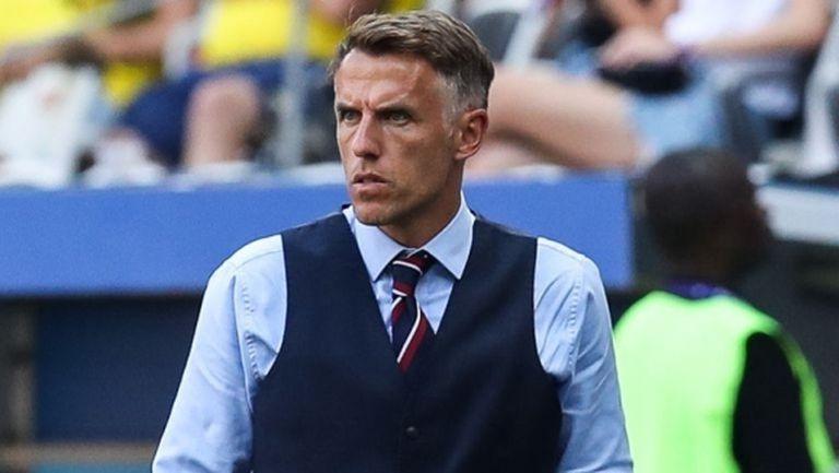 Фил Невил ще напусне мениджърския пост на Англия