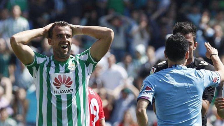 Двама бивши футболисти на Бетис бяха осъдени на по една година затвор