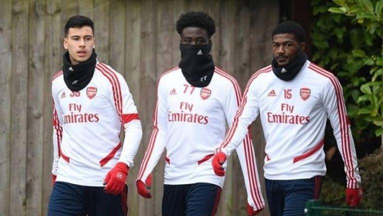 Първи отбор в Англия подновява тренировки
