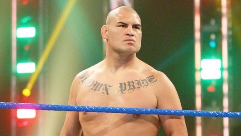 WWE освободи легендата на UFC Кейн Веласкес