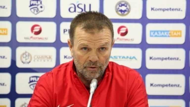 Орязаха заплатите в тима на Стойчо Младенов