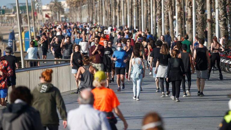 """Хиляди се скупчиха да """"тичат"""" в Испания"""