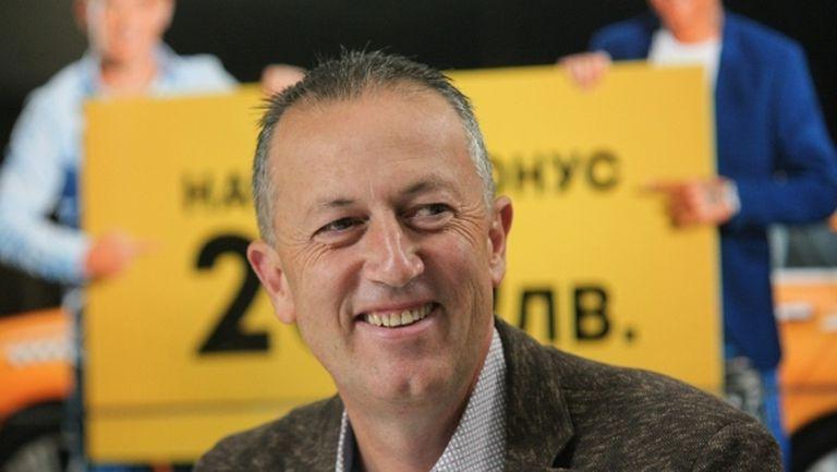 """Шеф от БФС: Не очаквам Левски да фалира, първенство """"пролет-есен"""" не е добър вариант"""