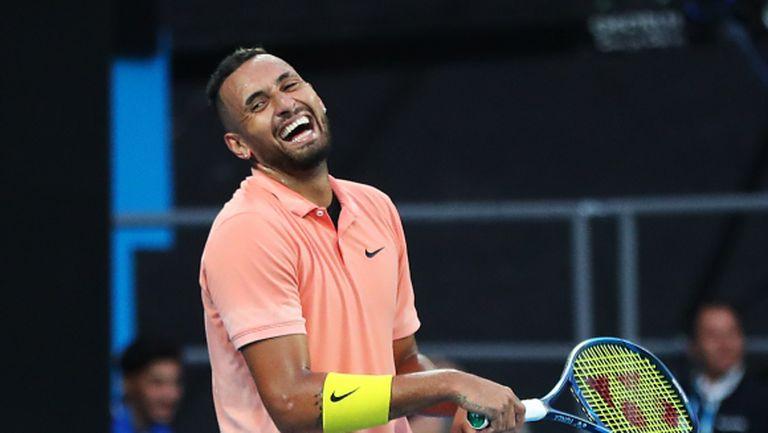 Фен имитира Джокович, Федерер, Мъри и други тенис звезди (видео)