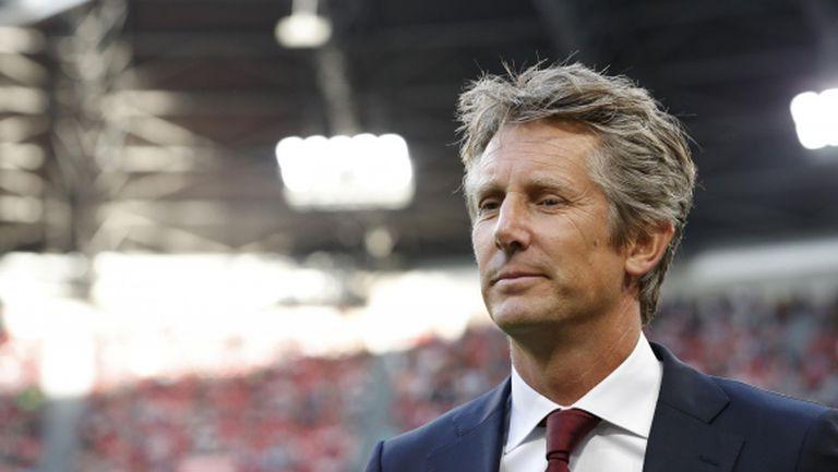 Едвин ван дер Сар:  Аякс няма да продава играчите си на безценица