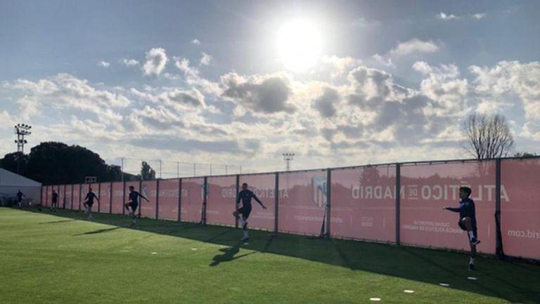 Футболистите на Атлетико вече тренират в клубната база
