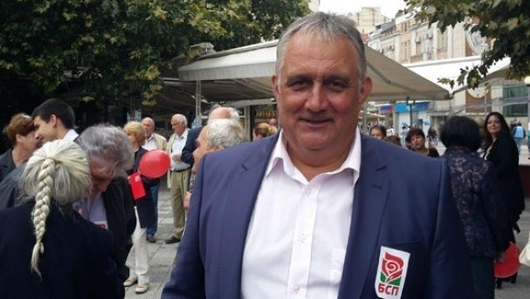 Петър Курдов: Идва ми да си ударя главата в телевизора заради случващото се в Левски