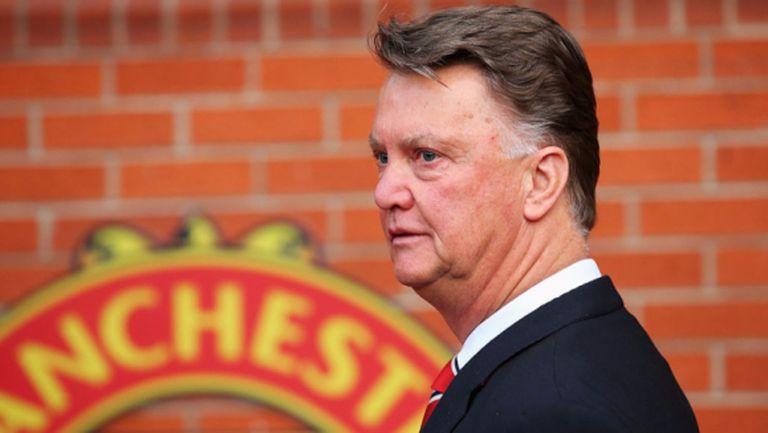 В Юнайтед трябваше да оцелея 6 месеца с въже на врата, ядосва се Ван Гаал