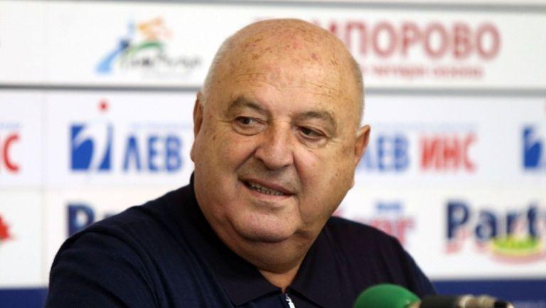 Венци Стефанов: Левски е черпак с много пробойни, двата ЦСКА да се оправят