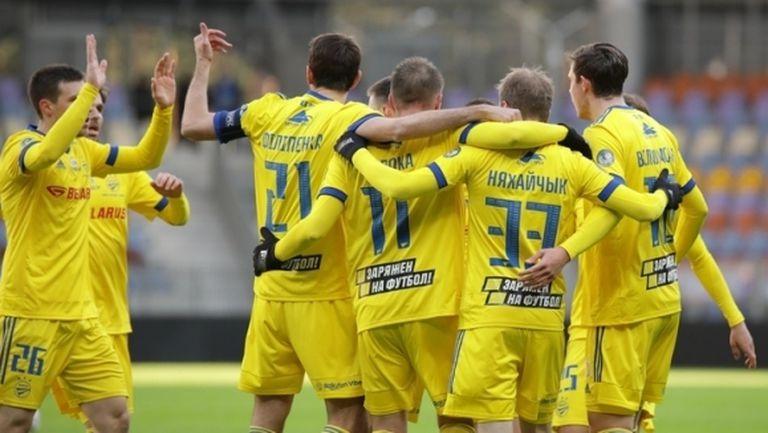 БАТЕ превзе върха с победа в мач с осем гола