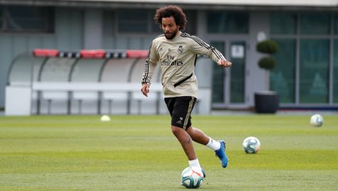 60 дни по-късно: Реал Мадрид тренира на базата си