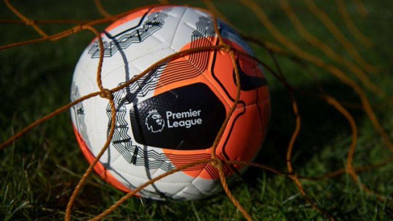 Предсрочното прекратяване на сезона в Премиър лийг е било обсъждано за първи път вчера