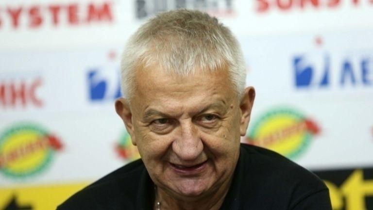 Крушарски: До два месеца трябва да започнем стадиона