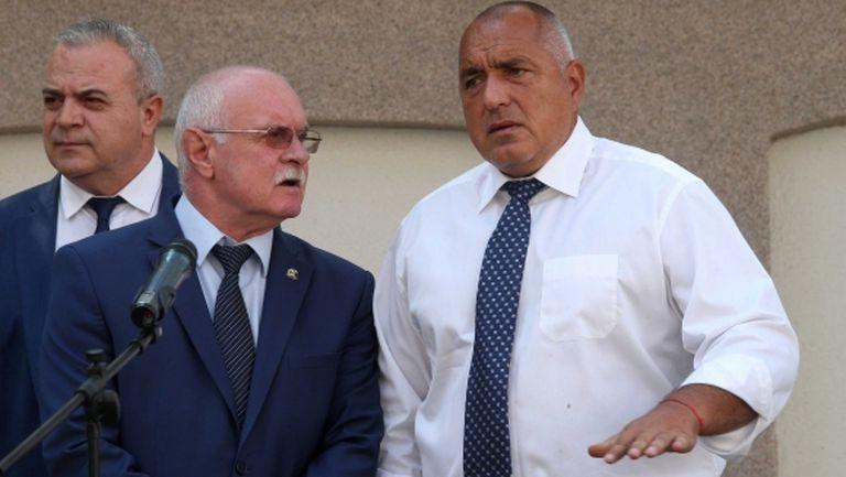 Премиерът отказа акциите на Левски