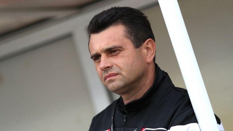 Треньорът на Локо (ГО) подписа нов договор