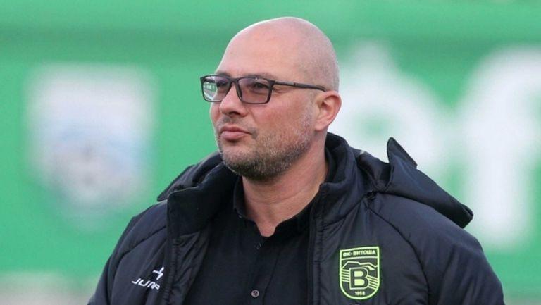 Треньор на клуб от efbet Лига дари пари за Левски