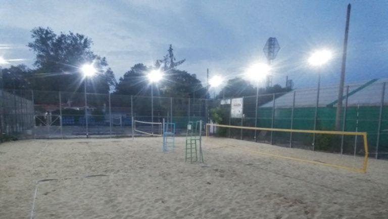 Вече може да се спортува на пясъчните кортове до Гребната в Пловдив