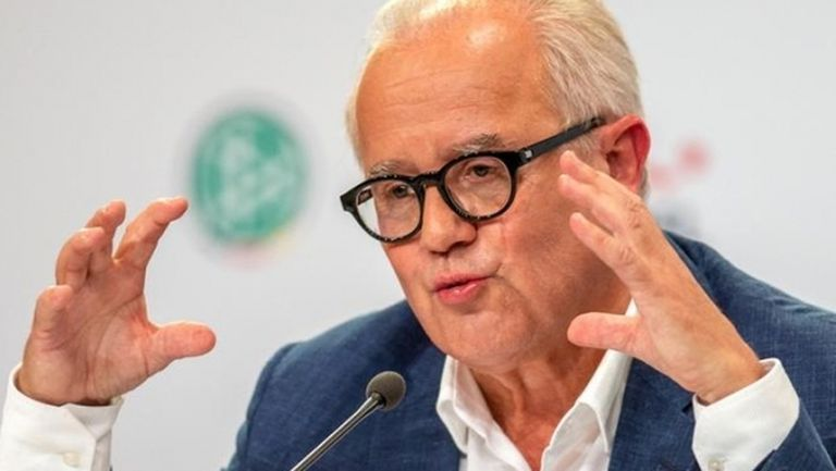 Шефът на ГФС призова за таван на заплатите във футбола