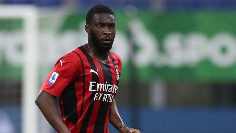 Милан натиска Челси да свали цената на Томори