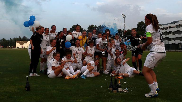 Състезателките на НСА вдигнаха Купата на България по футбол