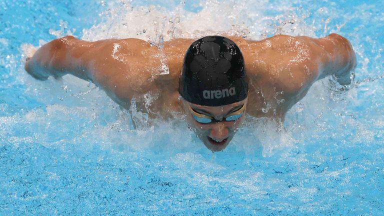 Браво, Йосиф Миладинов! България с олимпийски финал в плуването след 33 години