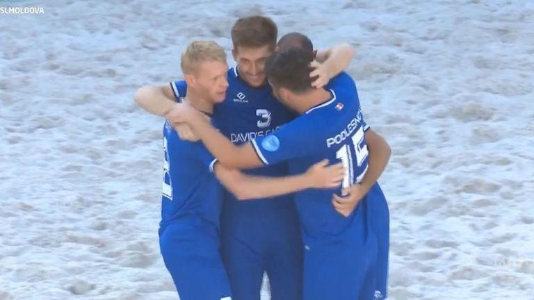 Молдова победи България с 3:1 на плажен футбол