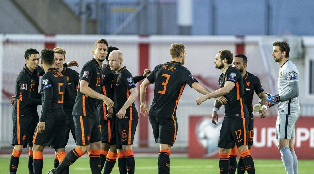 Франк де Бур: Гибралтар играе антифутбол